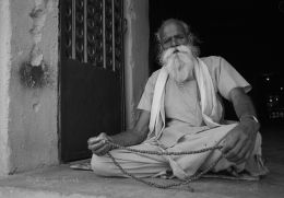 The old man in the temple Orcha
