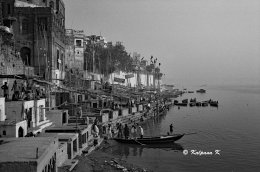 The Ganges river along the shores of Varanasi