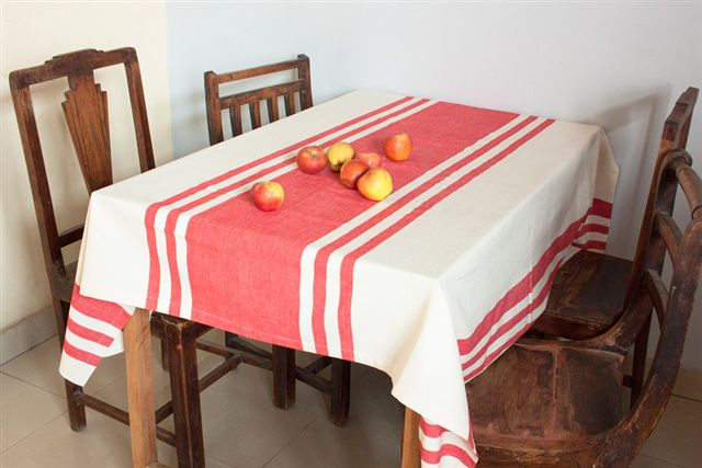 1115250 Hand Woven Cotton Tablecloth