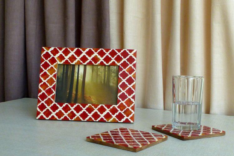 7613314-Photo Frame & Coasters
