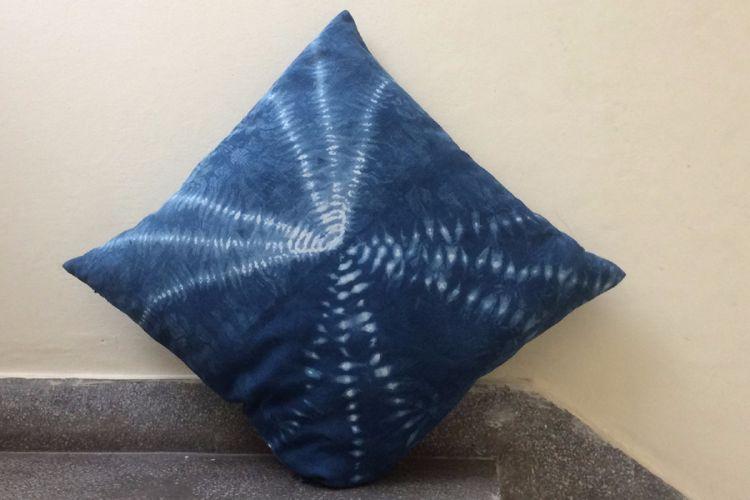 2821205-Cotton Indigo Cushion Cover