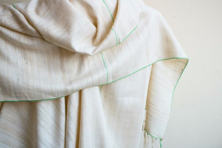 2822329 Eri Silk  Hand  Spun  &  Hand Woven