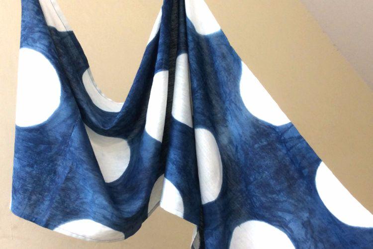 2822505-Indigo cotton scarf