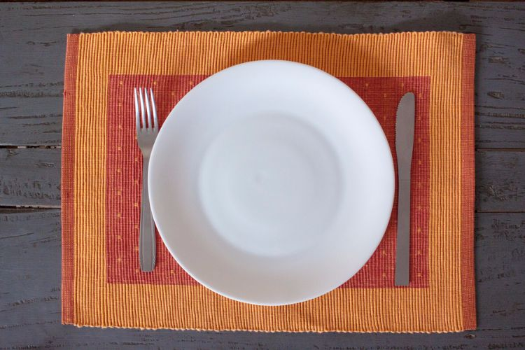 3818279-Hand Woven Cotton Placemat