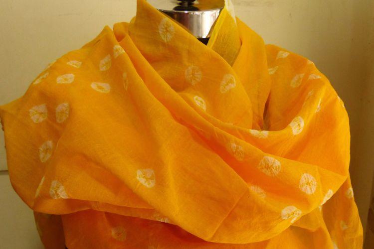 4822524-Tie Dye Muslin Scarf