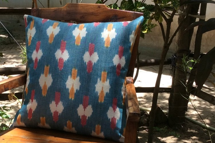 6421169-Koyyalgudam Cushion Cover