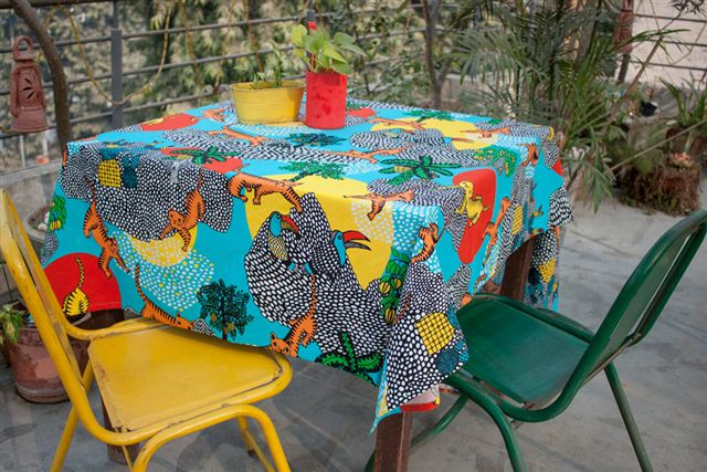 6915246-Organic Cotton Printed Tablecloth