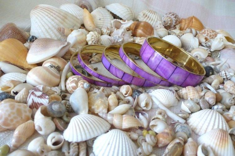 7619288-Mother-of-Pearl Bangles
