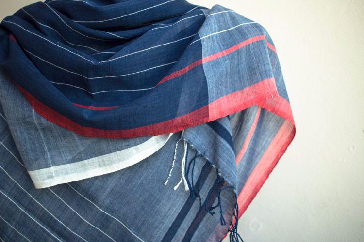 7722467-Organic cotton Hand Woven