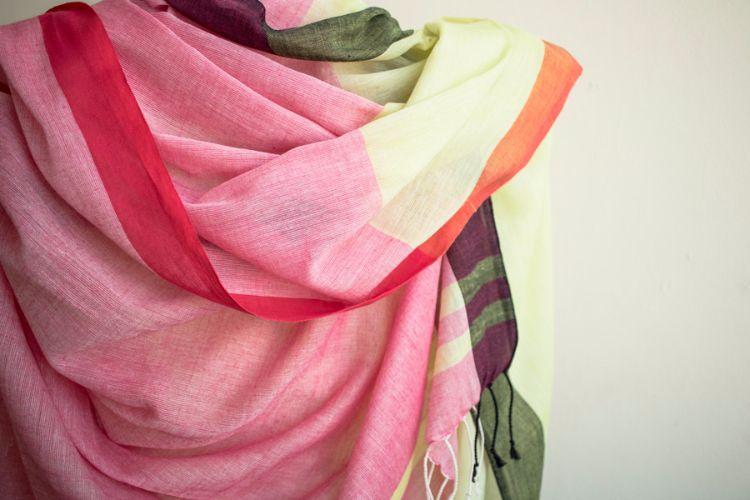 7722473-Organic cotton Hand Woven