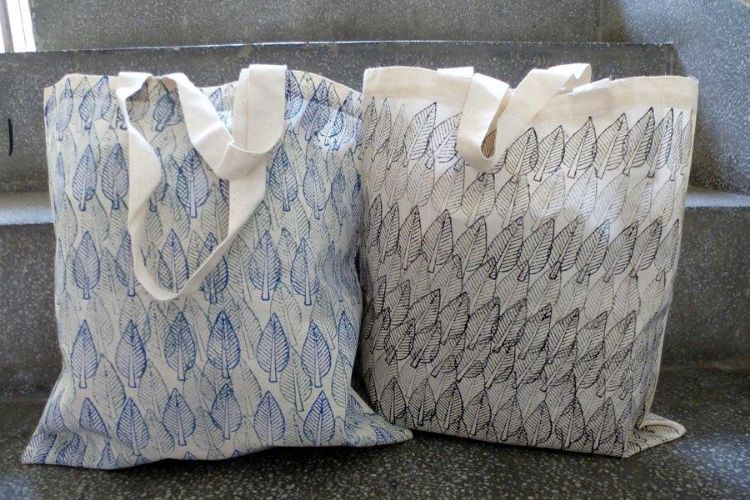 7811730-(Left) 7811740-(Right) Printed Bag