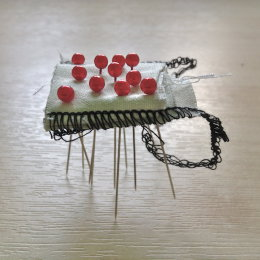 Micro Sculpture with pins
