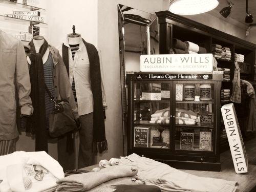 Aubin & Wills 1
