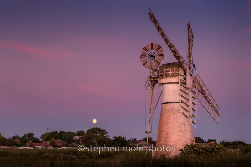 Moon rise over Thurne Mill