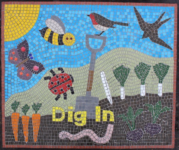 Yorkshire Wildlife Trust mosaic commission for Dig In community garden in York