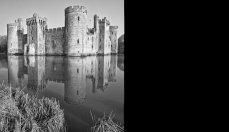 Bodiam Castle Mono