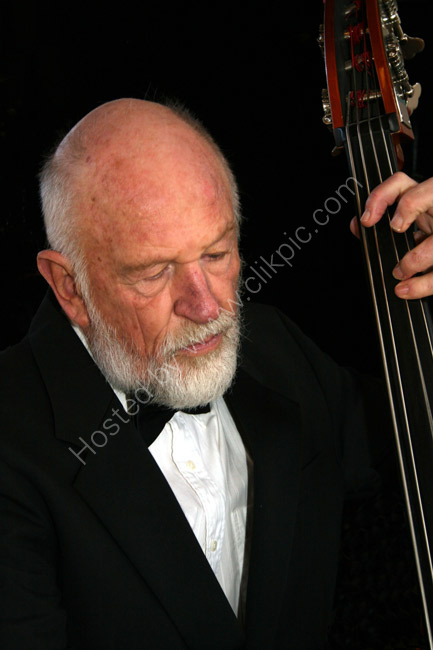 Mike - Bass musician