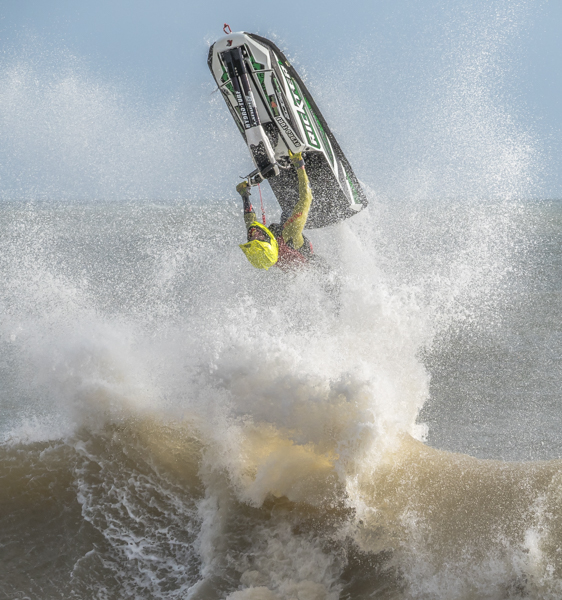 Lift off - Alan Bevis