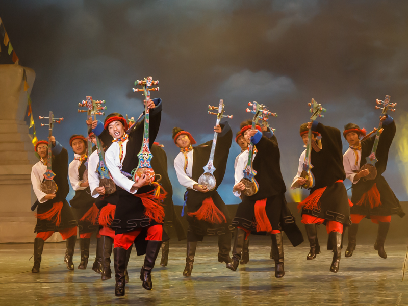 Tibetan dancers