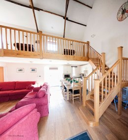 Kidwelly-Farm-Holiday-Cottages-(6)