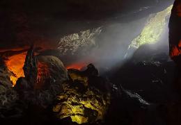 Sung Sot Cave, Vietnam.