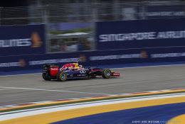 Daniel Ricciardo Turn 1, Singapore GP 2014