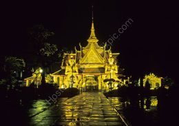 Wat Arun by night - reflections