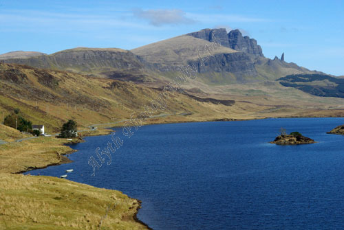 AAPWL 2223 Isle of Skye Old Man of Storr and Loch Leathan