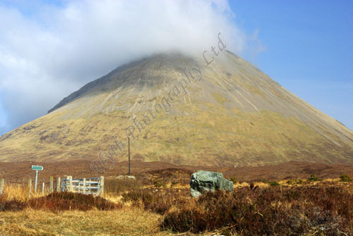 AAPWL 2188 Isle of Skye Red Cuillin from Sligachan