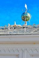 Glitter ball and seagull