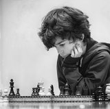 HC Helen Holmes : Home Chess Practice