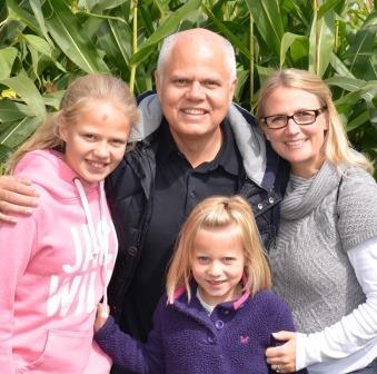 Original photo of the Cartwright family