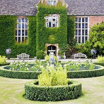 BG_03 The Tudor Manor