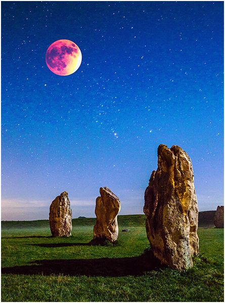 C Blood Moon over The Stones