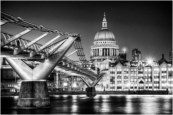 London  152  B&W