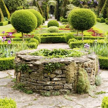 WG_01 The Celtic Cross Knot Garden