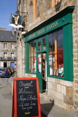 booksellers shopfront becherel brittany