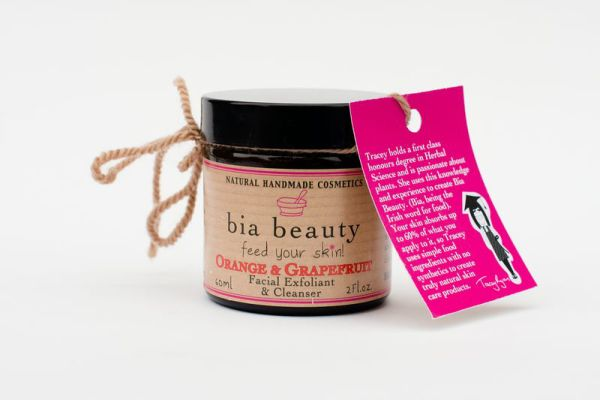 Bia Beauty Orange & Grapefruit Facial Exfoliator & Cleanser €16.95