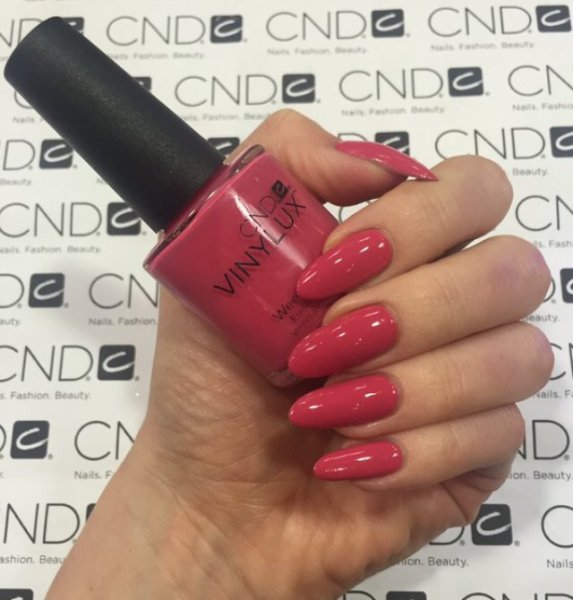 CND Vinylux Art Vandal Collection 2016 Irrerevent Rose #207 €12