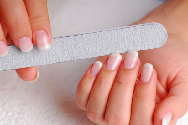 BCI Nail file for artificial nails 100/180 grit €1.50