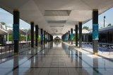 Kuala Lumpur grand mosque interior