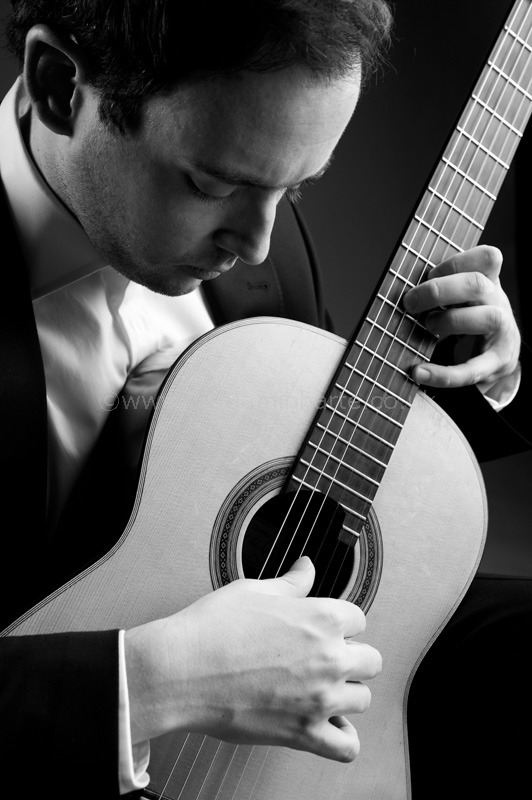Portrait of guitarist Patrick-Avery-©www.benjaminharte.co.uk-33