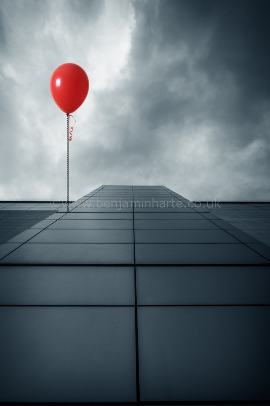 balloon-and-building-©www.benjaminharte.co.uk-13