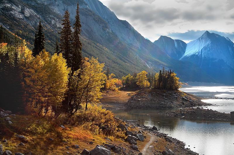 Medicine Lake - Jasper National Park