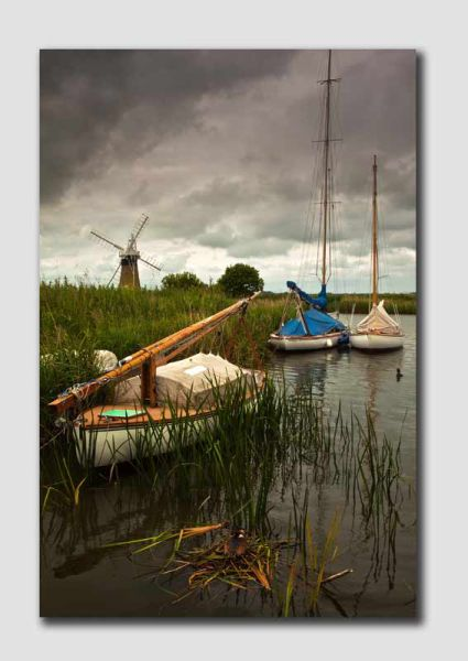 Broads & Boats - NS1370