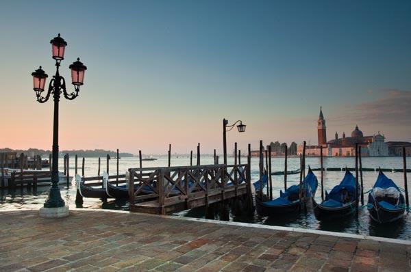 Venice Gondalas 1 - V5800