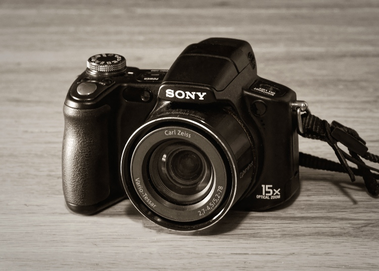 Sony H50 Ultra-zoom (2008)