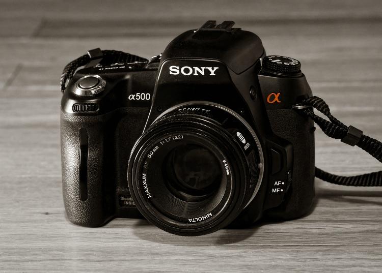Sony A500 DSLR (2009)