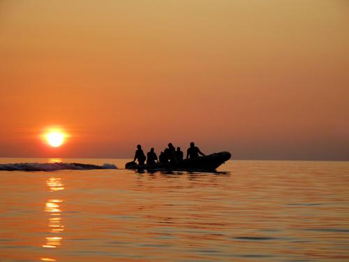 sunset divers return