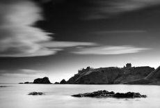 Dunnottar castle034b&w